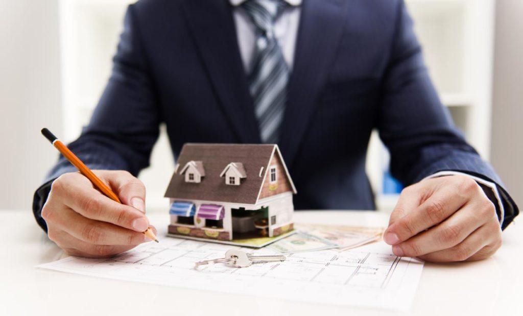È legittimo che il padrone di casa decida di aumentare il canone d'affitto a causa di lavori straordinari sulla facciata condominiale?